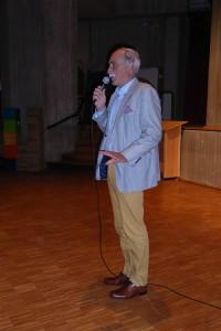 Herr Schüte, stellvertretender Bürgermeister, sagt sein Grußwort